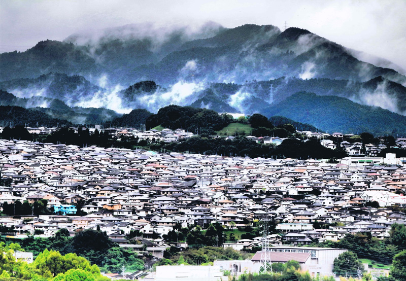 富士フイルム賞 「ドラマチックな雨上がり」日東町・清見台付近を赤峰高台より撮影