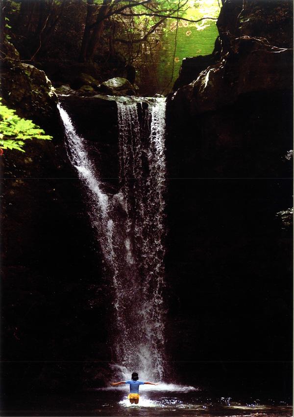 大阪芸術大学賞 「滝に魅せられた少女」滝畑 光滝